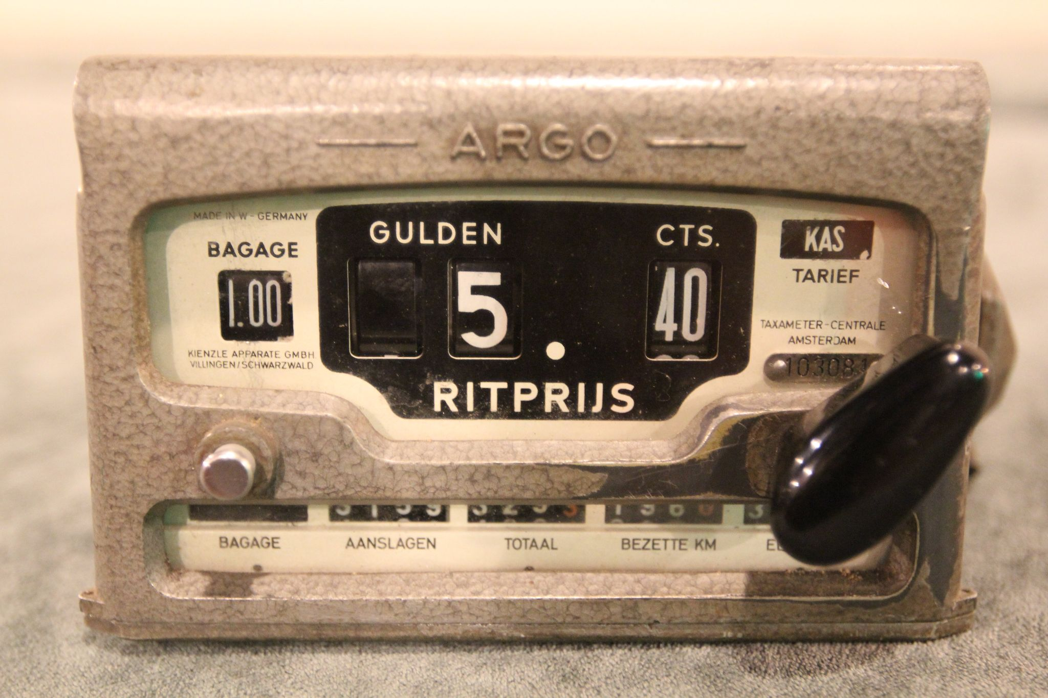 Vintage ARGO taximeter uit 1950s taxi meter centrale Amsterdam